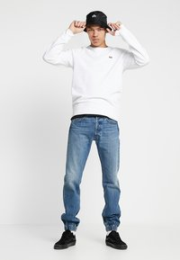 Levi's® - ORIGINAL ICON CREW - Collegepaita - white - 1