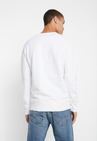 Levi's® - ORIGINAL ICON CREW - Collegepaita - white - 2