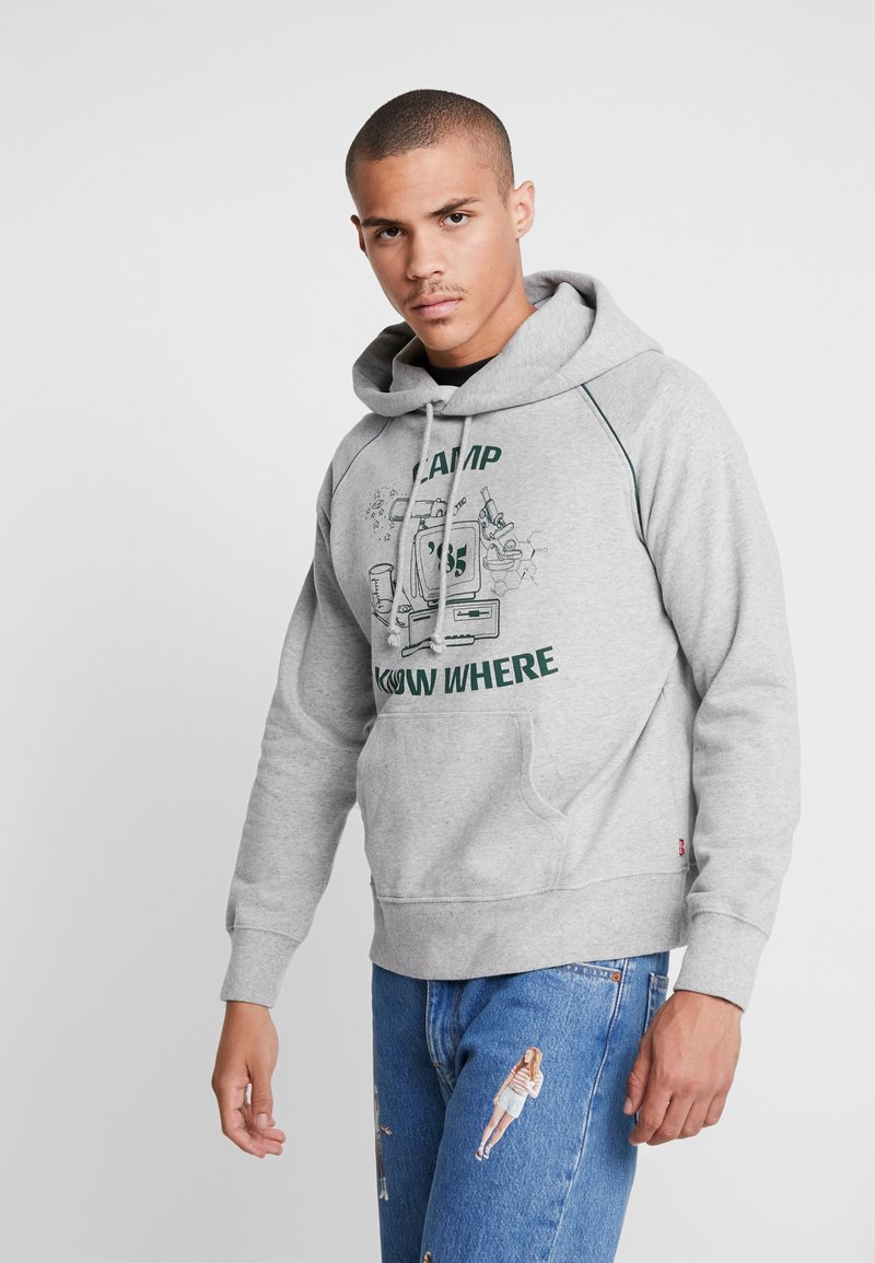Levi's® - CAMP KNOW WHERE HOODIE X STRANGER THINGS - Jersey con capucha - heather grey