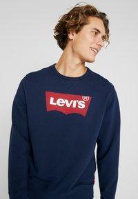 Levi's® - GRAPHIC CREW  - Sweatshirt - dress blues - 3
