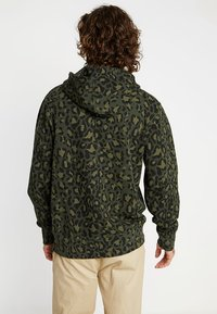 Levi's® - GRAPHIC  - Hoodie - bubble cheetah olive woods - 2
