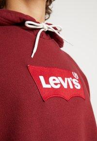 Levi's® - MODERN HOODIE - Hoodie - warm cabernet - 5