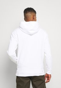 Levi's® - LEVI'S® X SUPER MARIO GRAPHIC PO HOODIE- B - Huppari - white - 2