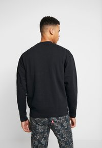 Levi's® - AUTHENTIC LOGO CREWNECK - Sweater - mineral black - 2