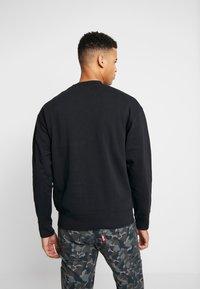 Levi's® - AUTHENTIC LOGO CREWNECK - Sweatshirts - mineral black - 2
