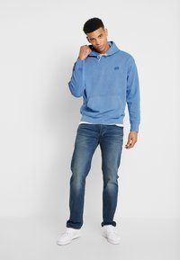 Levi's® - AUTHENTIC HOODIE - Hoodie - blue - 1