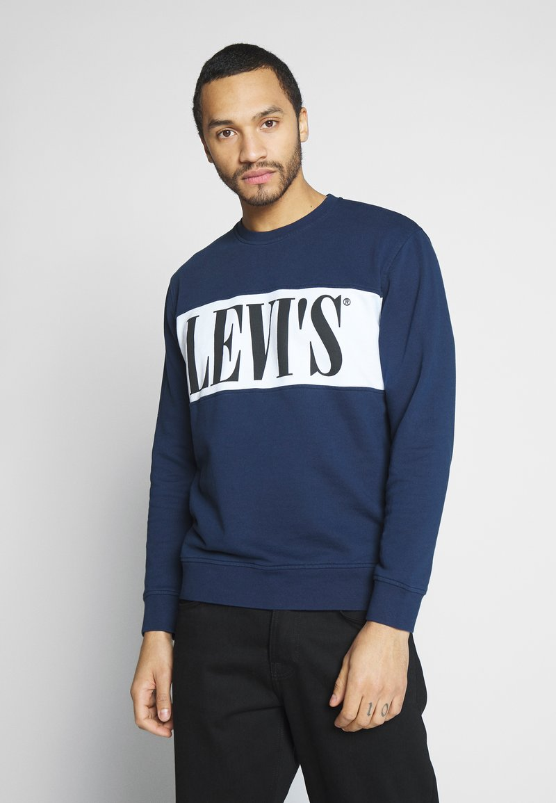 Levi's® - LOGO CREW - Bluza - white/dress blues