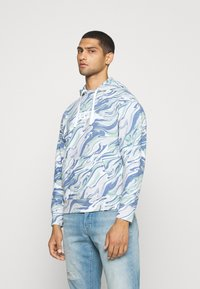 Levi's® - RELAXED FIT LOGO - Hoodie - marble box tab white - 0