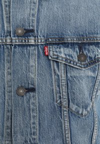 Levi's® - THE TRUCKER JACKET - Jeansjacka - killebrew