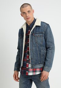 Levi's® - TYPE 3 SHERPA TRUCKER - Denim jacket - mayze sherpa trucker - 0