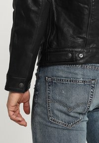 Levi's® - TRUCKER TYPE 3 - Leren jas - black - 5