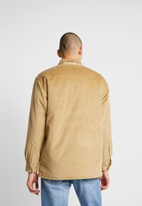 Levi's® - OFARREL  - Lehká bunda - harvest gold - 2