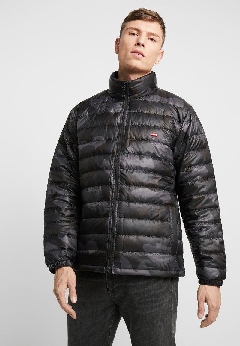 Levi's® - DEHON PUFFER - Down jacket - alvincamo pirate black