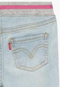 Levi's® - PULL ON SKINNY - Skinny džíny - blue denim - 3