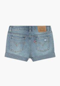 Levi's® - GIRLFRIEND SHORTY SHORT - Denim shorts - light-blue denim - 1