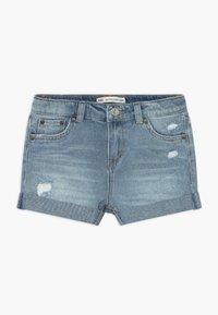 Levi's® - GIRLFRIEND SHORTY SHORT - Denim shorts - light-blue denim - 0