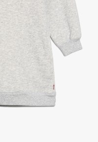Levi's® - CREW DRESS - Robe en jersey - light gray heather - 4