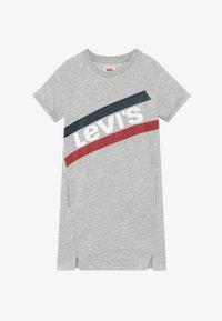 Levi's® - FRENCH - Denní šaty - light gray heather - 2