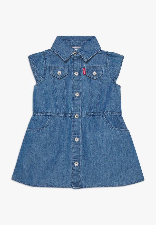 MAY RUFFLE DRESS - Vestito di jeans - blue denim