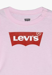 Levi's® - BATWING BABY - T-shirt à manches longues - pink lady - 3