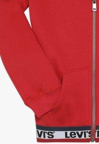 Levi's® - ELONGATED FULL ZIP HOODIE - Felpa aperta - super red - 2