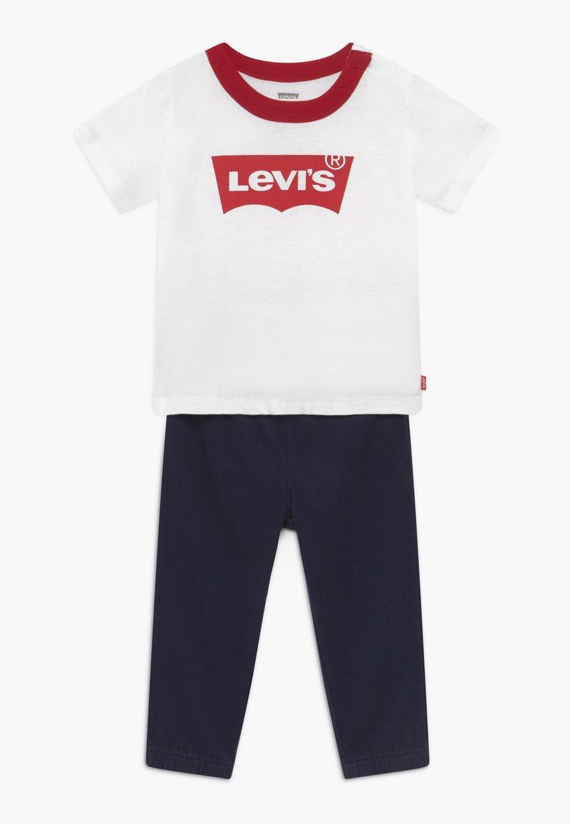 Levi's® - JOGGER SET - Bukse - white