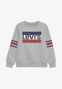 Levi's® - SPORTSWEAR LOGO STRIPED CREW - Sweatshirt - grey heather - 2