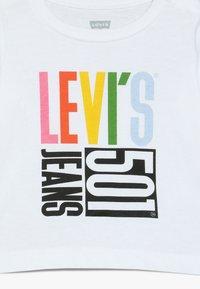 Levi's® - GRAPHIC TEE BABY  - Longsleeve - white - 3