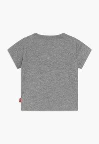 Levi's® - BATWING TEE - T-shirt print - grey heather - 1