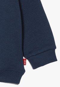 Levi's® - BATWING CREWNECK - Sweater - dress blues - 4