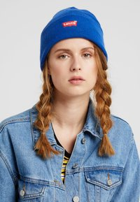 Levi's® - BATWING EMBROIDERED SLOUCHY BEANIE - Beanie - royal blue - 1