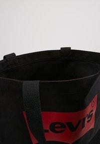 Levi's® - BATWING TOTE - Shoppingveske - regular black - 6
