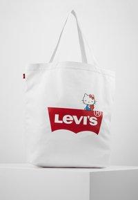 Levi's® - HELLO TOTE - Shopping bag - regular white - 0