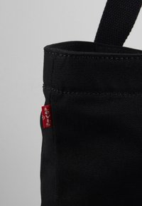 Levi's® - SERIF LEVI'S® MULTI - Bolso shopping - regular black - 6