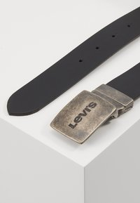 Levi's® - REVERSIBLE BELT - Pásek - regular black - 3