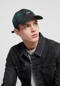 Levi's® - PLAID HAT - Cappellino - light khaki - 1