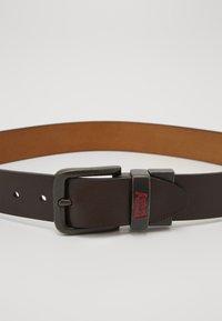 Levi's® - BATWING BUCKLE BELT - Pásek - dark brown - 2