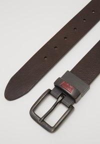 Levi's® - BATWING BUCKLE BELT - Pásek - dark brown - 3