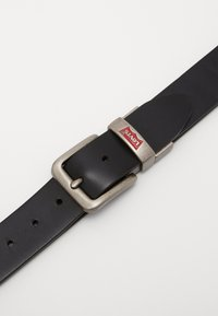Levi's® - BATWING BUCKLE BELT - Bælter - black - 2