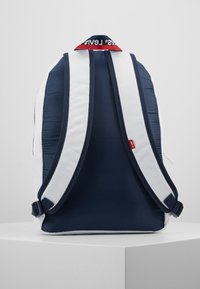 Levi's® - MULTI ZIP BATWING BACKPACK - Rucksack - white - 3