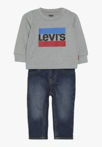 Levi's® - TEE PANT SET - Slim fit jeans - grey heather - 0