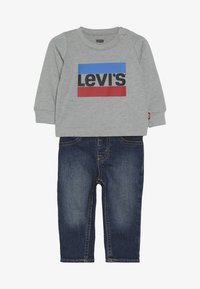 Levi's® - TEE PANT SET - Džíny Slim Fit - grey heather