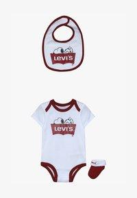 Levi's® - SNOOPY BABY SET - Body - white - 3