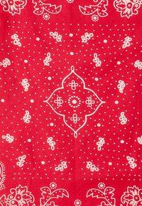 Levi's® - PAISLEY BANDANA - Foulard - regular red - 3