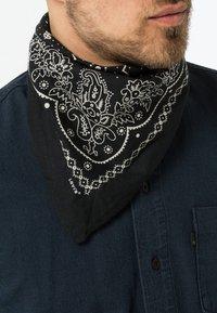 Levi's® - PAISLEY BANDANA - Šátek - regular black - 1