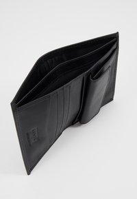 Levi's® - CASUAL CLASSICS KNOLL COIN BIFOLD - WAVE - Lommebok - regular black - 5