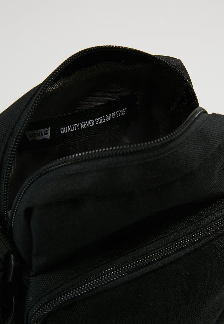 BodySac Regular Cross Bandoulière Series Black Levi's® Small K1lF3TJc
