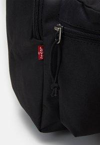 Levi's® - BASIC BACKPACK UNISEX - Rucksack - regular black - 3