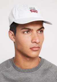 Levi's® - PEANUTS LEVI'S® FLEXFIT HAT - Casquette - light blue - 1