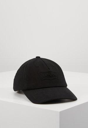 BIG BATWING DEBOSS FLEXFIT - Cap - black